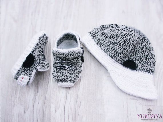 fabbac92bc6ee Grey Crochet Baby Shoes Crochet Baby Booties Athletic Shoes Newborn ...