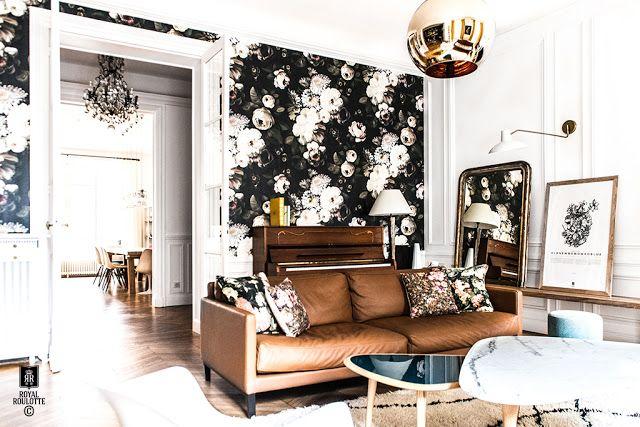 French Style With French Roulotte Studio Papier Peint Salon Interieurs D Appartements Parisiens Maisons Francaises