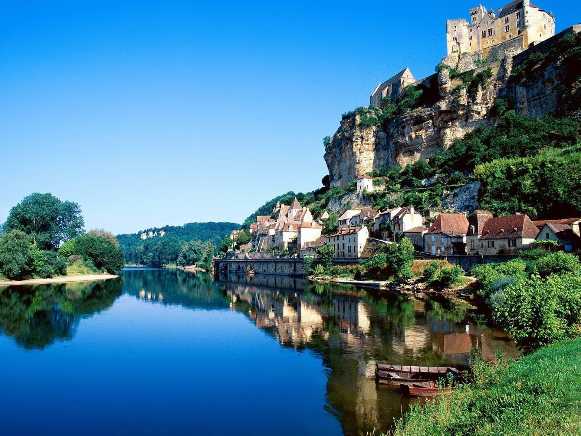 Desktop Backgrounds · Wallpaper PC · Travels   Beynac-et-Cazenac south-western France