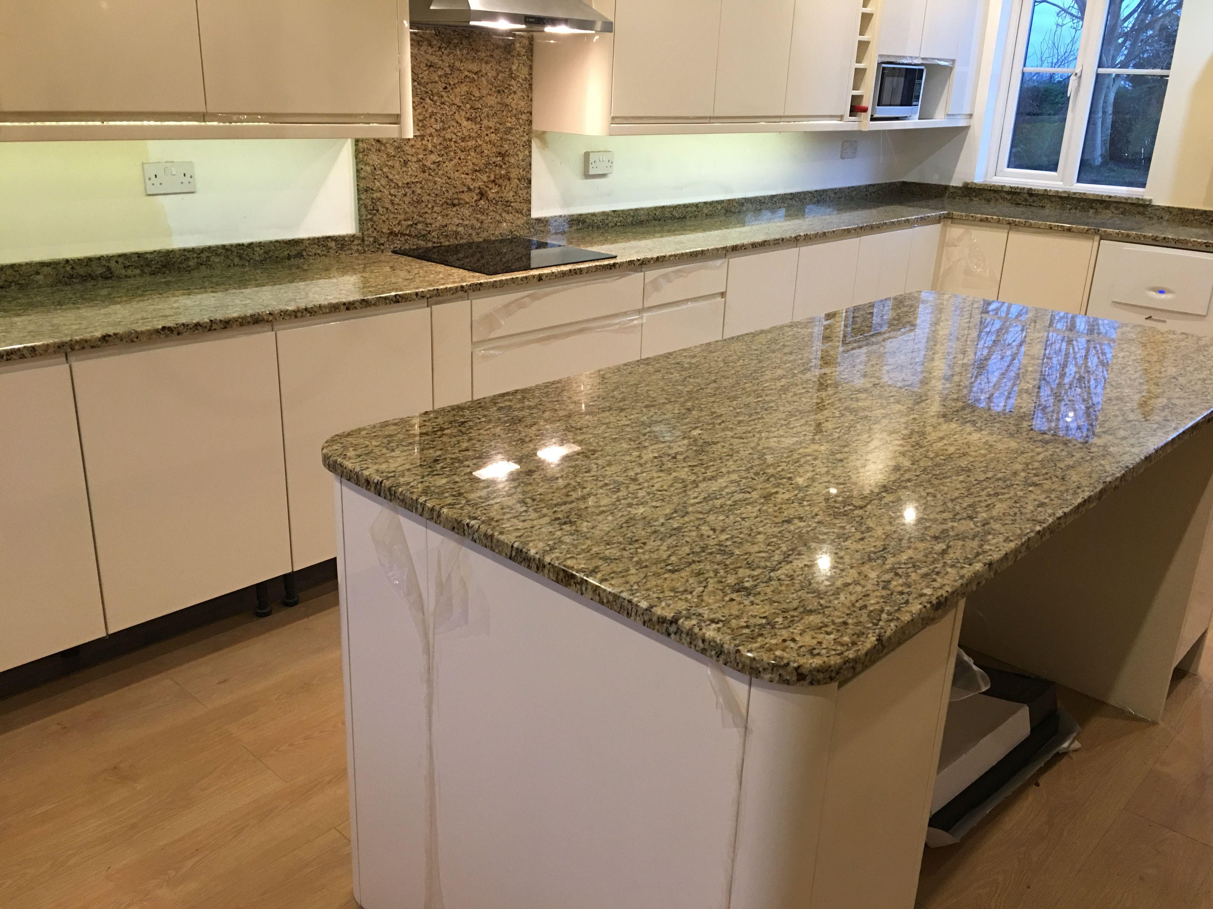 Gold Granite Worktops With A Cream Door Granite Worktop Kitchen Granite Kitchen Quartz Worktops