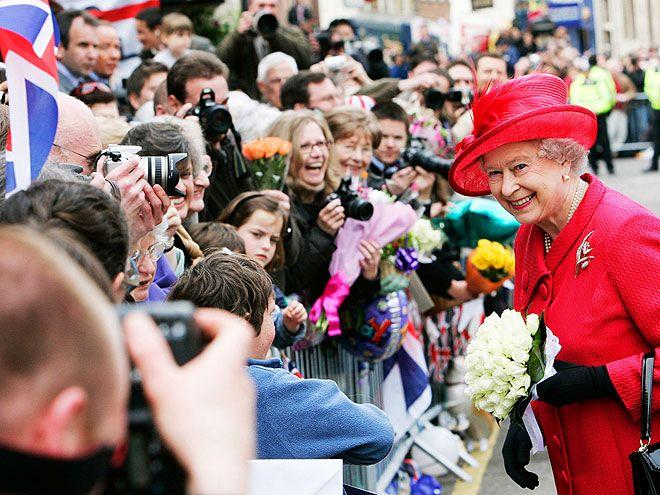 PARTY ON photo | Queen Elizabeth II