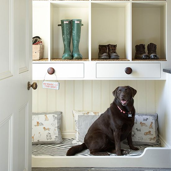 8 countrystyle boot room designs Built in dog bed, Dog
