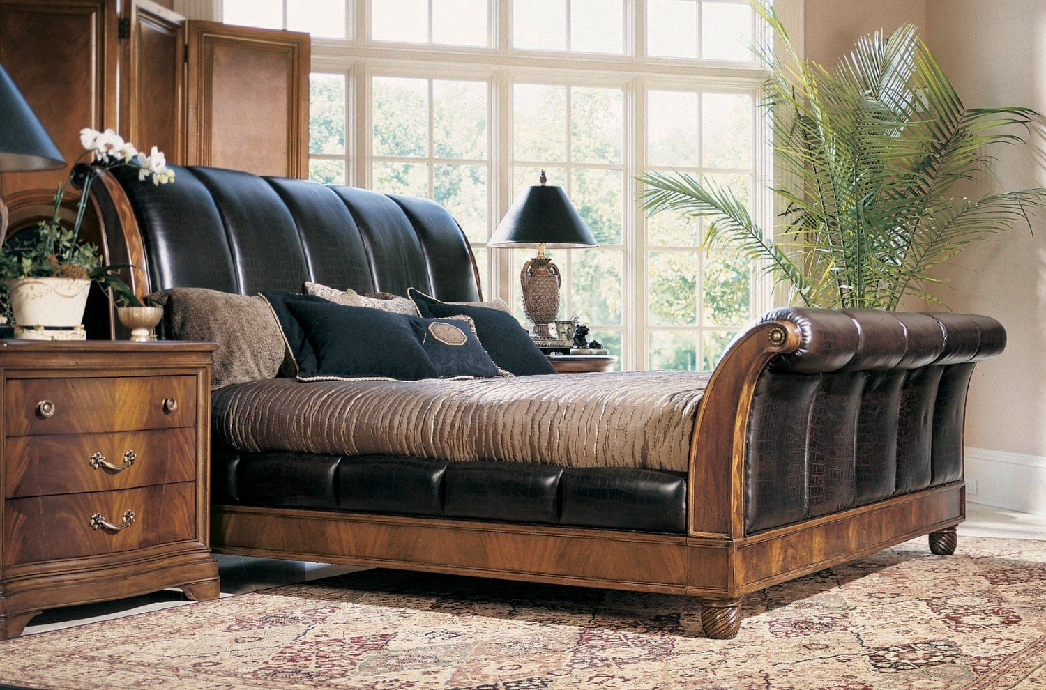 Best Leather Sleigh Bed In 2020 Furniture Luxurious Bedrooms 400 x 300