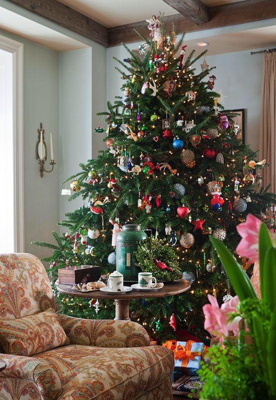 Once Upon A Time In The West Traditional Christmas Tree Christmas Traditions Christmas Decorations