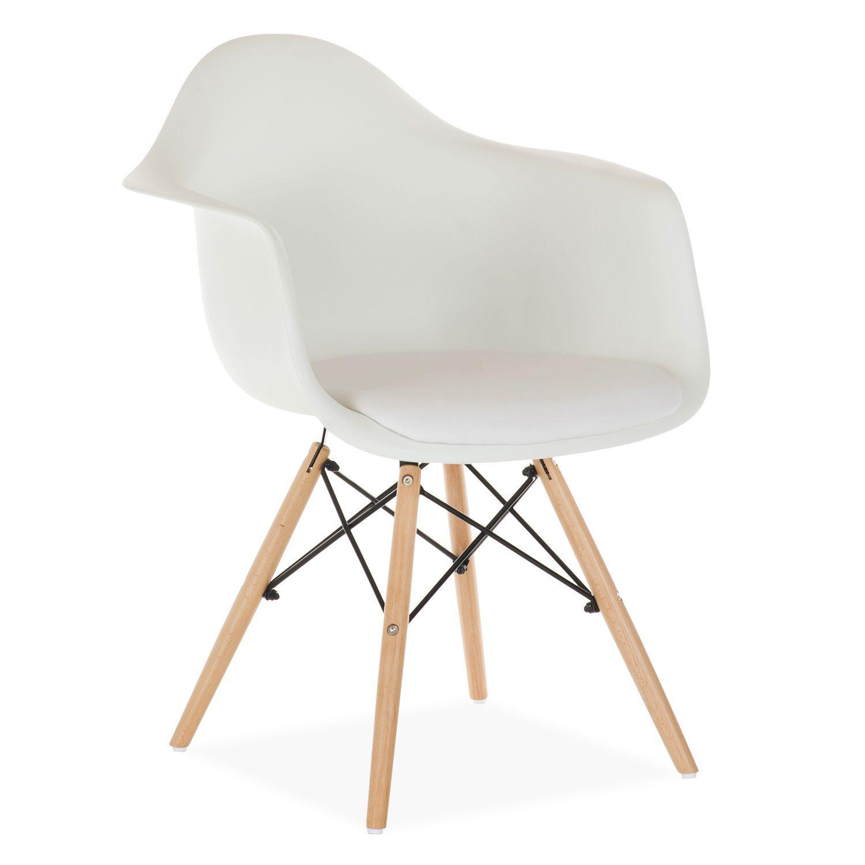 Inspiree Par La Chaise Daw Charles Ray Eames La Structure Des Pieds Est Basee Sur La Tour Eiffel Le Siege Et Le Dossier For Chaise Daw Chaise Wooden Chaise
