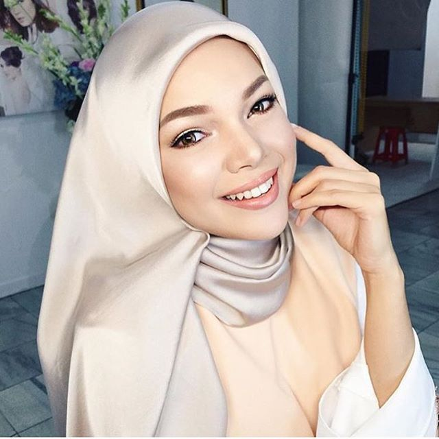 Hijab Of The Day By @dewisandra #hijabstyle #fashion