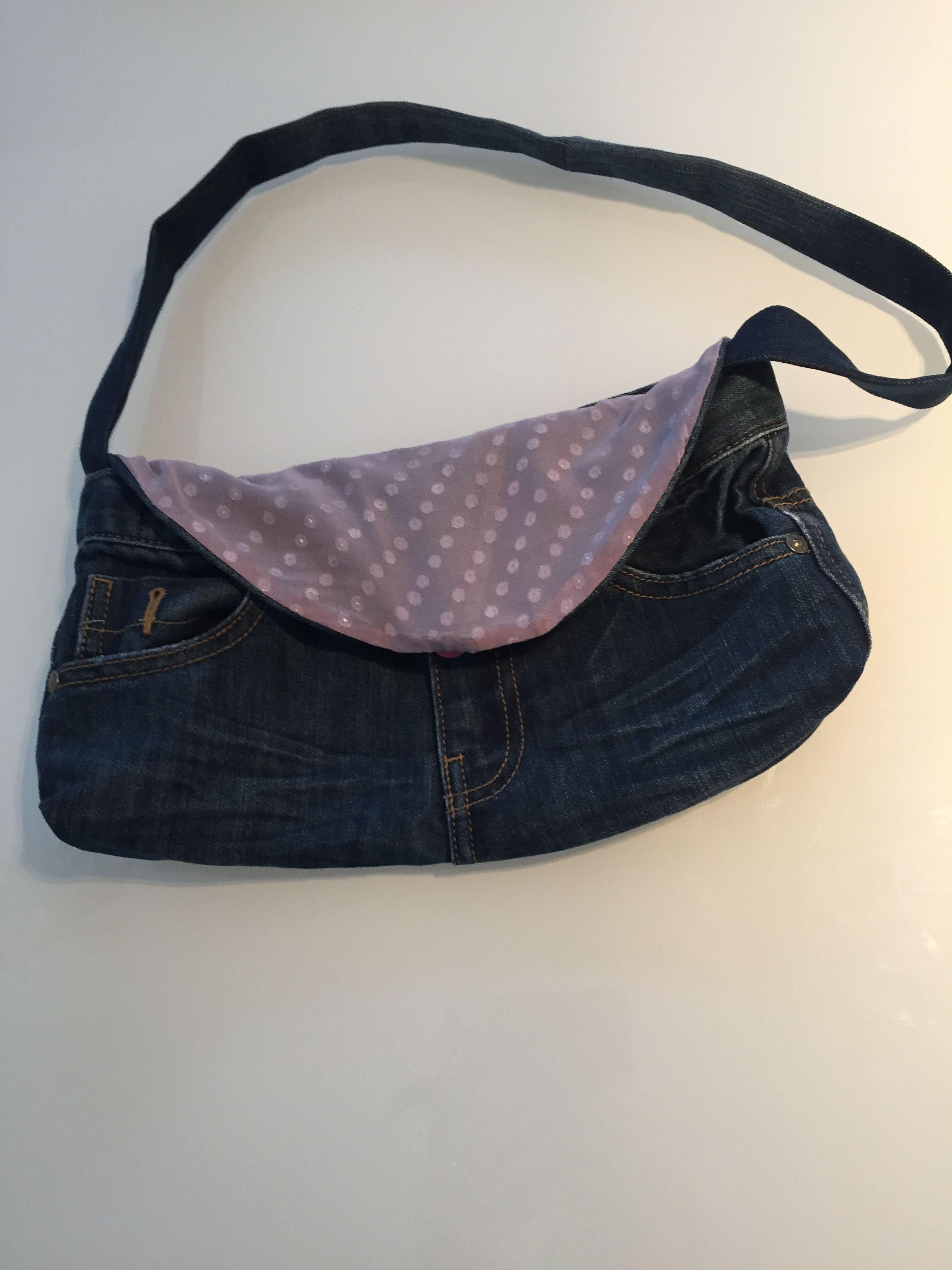 Klein handtasje uit oude jeans en oud topje