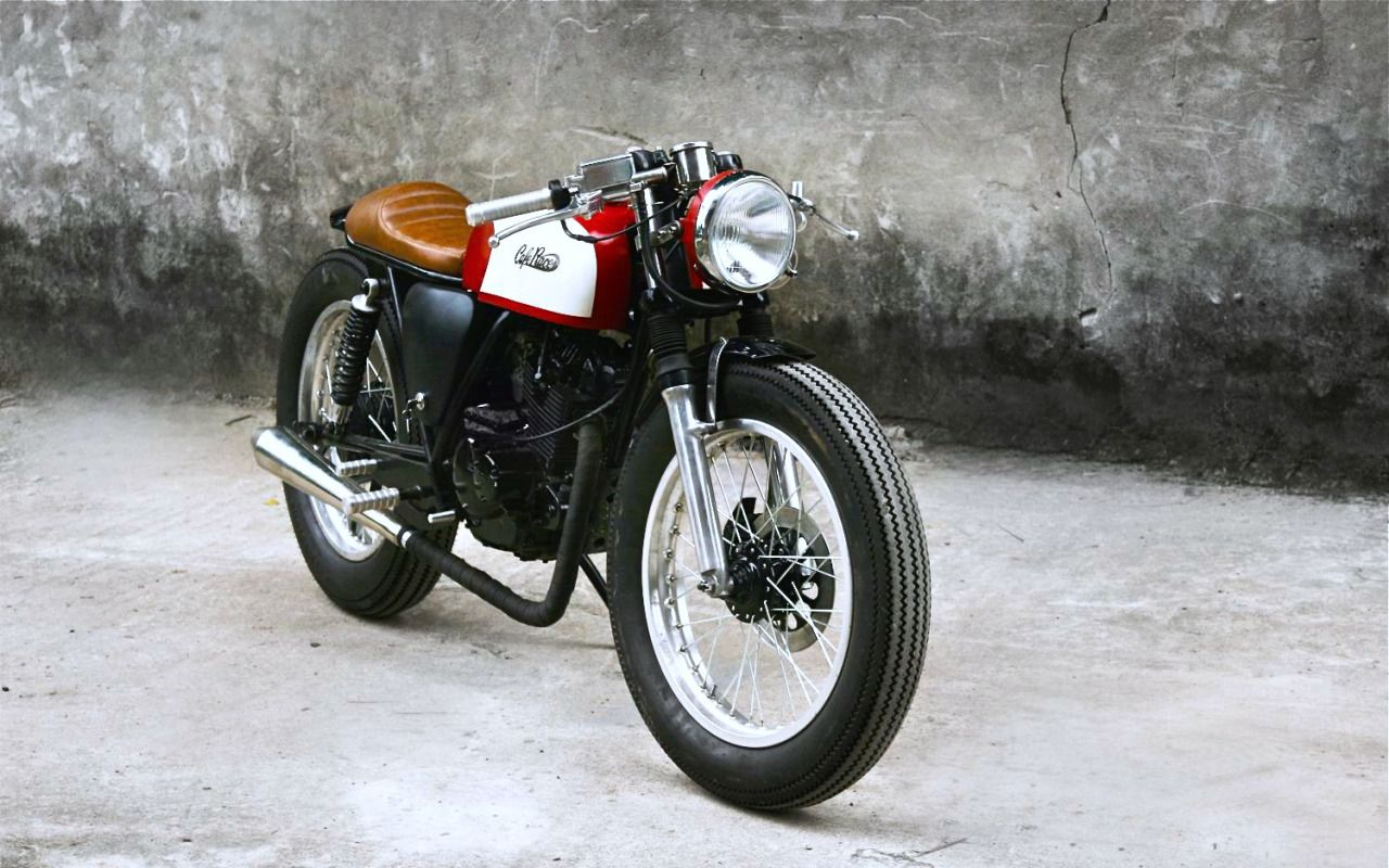 Moto En A Cafe Racer Duongdoan