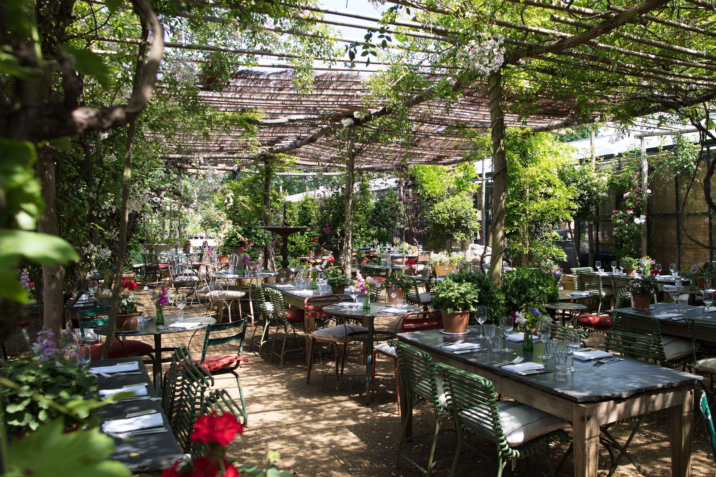The Most Stylish Outdoor Terraces In London Outdoor Restaurant Garden Cafe Amazing Gardens