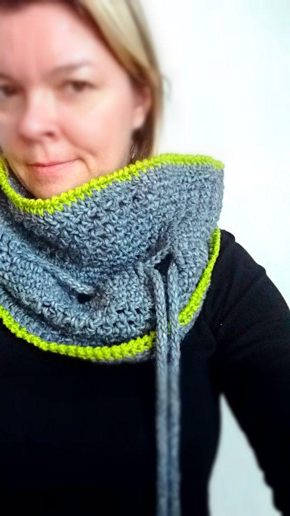 Crochet Cowl Scarf, chunky Infinity Neckwarmer, Womens shoulder Cape ...