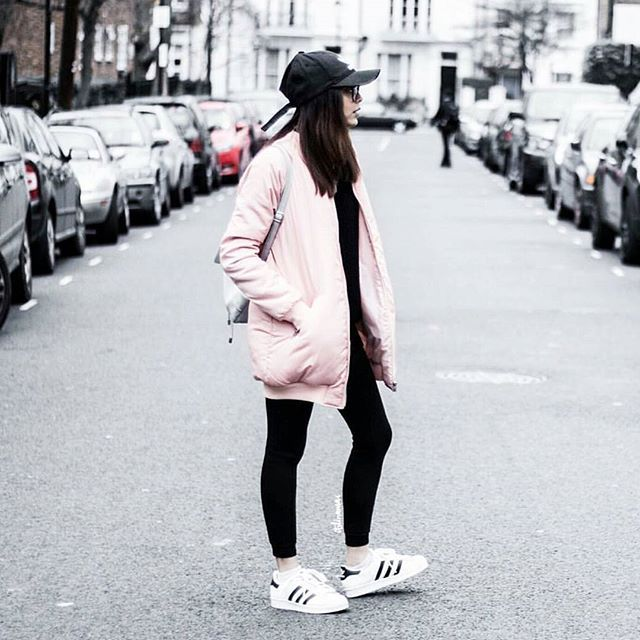 Superstar sneakers are here to stay   parsel.me/ruby71  #ootd #lotd #sneakers #shoecollection #shoegasm #sneakerporn #fashionista #fashionblogger #urban #streetstyle #streetwear