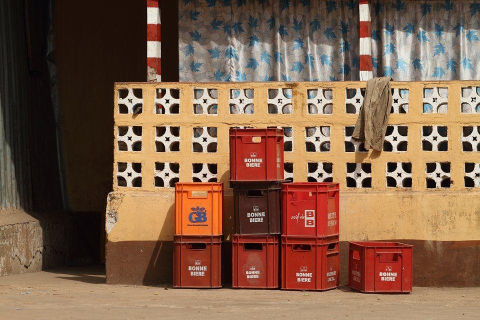 Caisses De Bieres A Ouagadougou Burkina 2014 Bonne Biere Biere Caisses