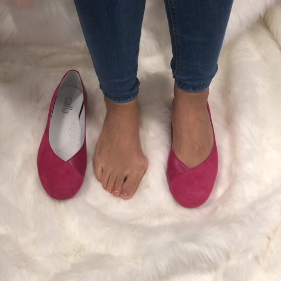 Wide fit flats for bunions and wide
