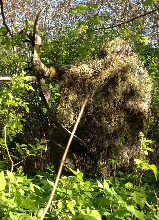 5161561f0d969 Ghillie suit for bowhunting | Bowhunting | Archery hunting, Bow ...