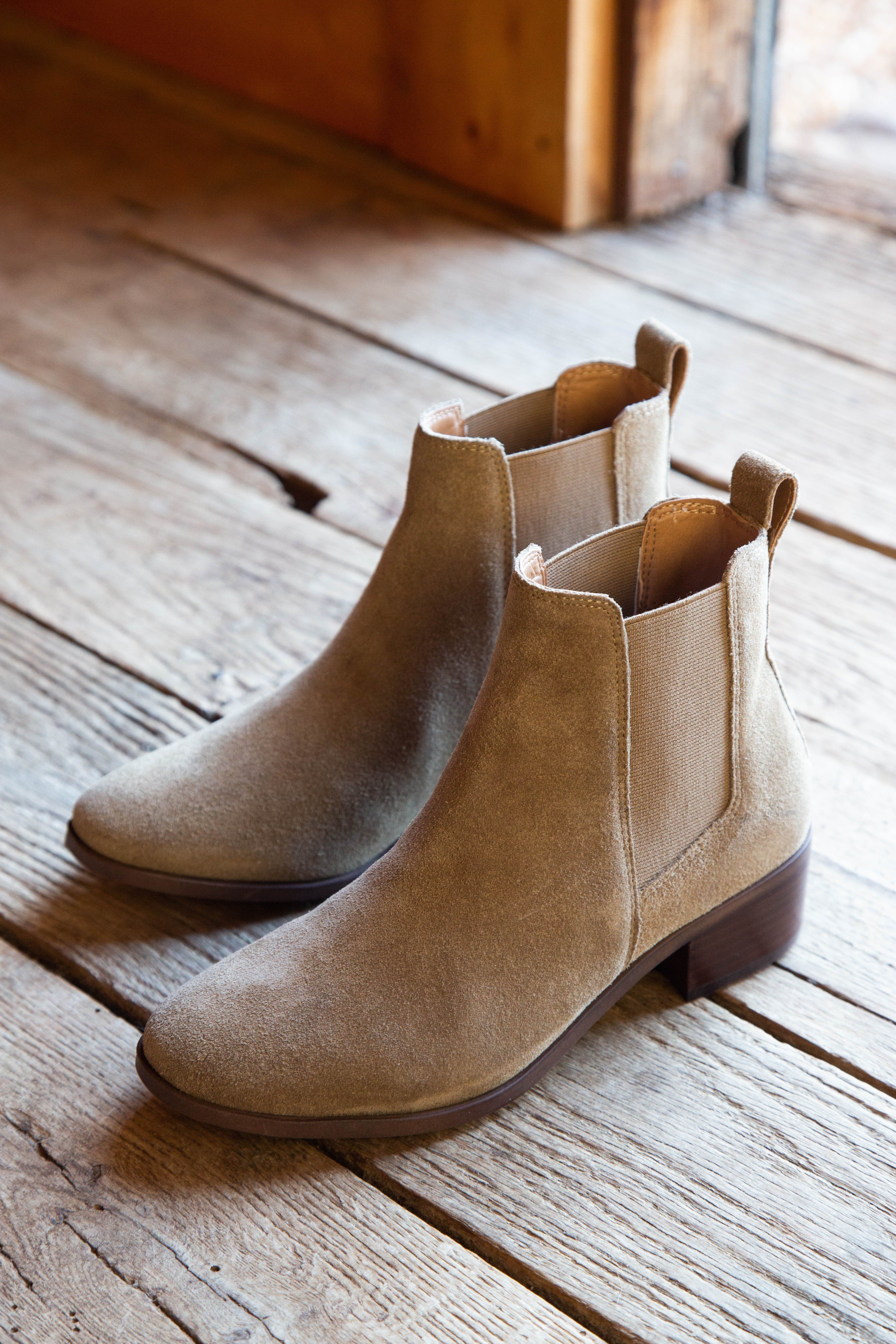 Dover Suede Chelsea Boot, Natural