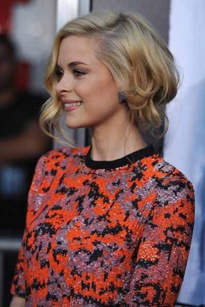 A Blonde Ambition: Updo