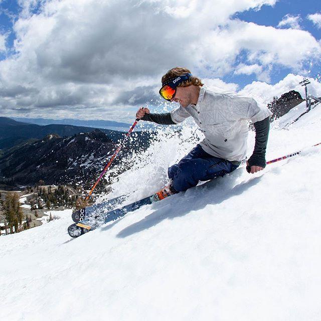 @c0nnery #skiing #rawnegade