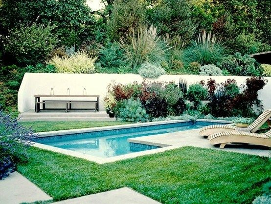 Simple pool landscaping simple swimming pools los for Swimming pool landscaping ideas