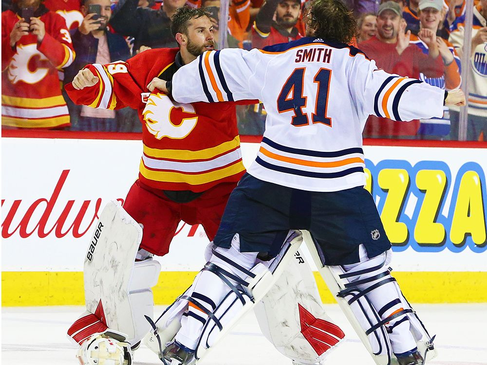 Nhl Weekly Show The Battle Of Alberta Heats Up Leafs Lose Goalie Could Goaltending Land Chicago In The Playoffs And Much More In 2020 Nhl Goalie Calgary Flames