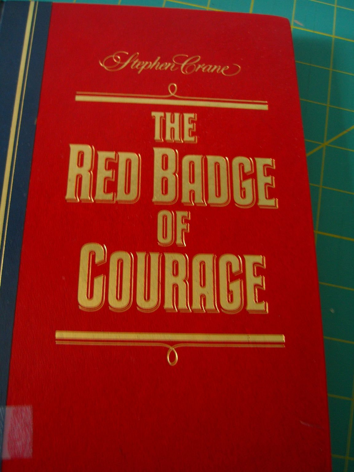 Tghe Red Badge Of Courage Steven Crane For An English Class The Book Wasn T Tedious But The Class Discussion This Or That Questions Badge My Books