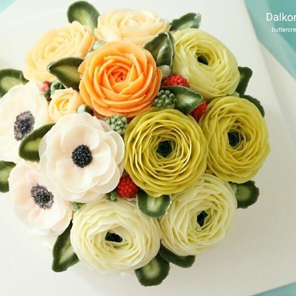Done by student in 2nd class.  #buttercream flowercake  #Basic class#Beanpaste #flowercake #beanpasteflowercake #cake #beanpasteflower #riceflowercake #ricecake #꽃 #bouquet #beautiful #cupcake #dessert #instacake #food #birthdaycake #flower #rose #장미 #디저트 #플라워케이크 #bakingclass #buttercream #cake #baking #수제케이크 #앙금플라워 #beanpaste #꽃스타그램 #weddingcake
