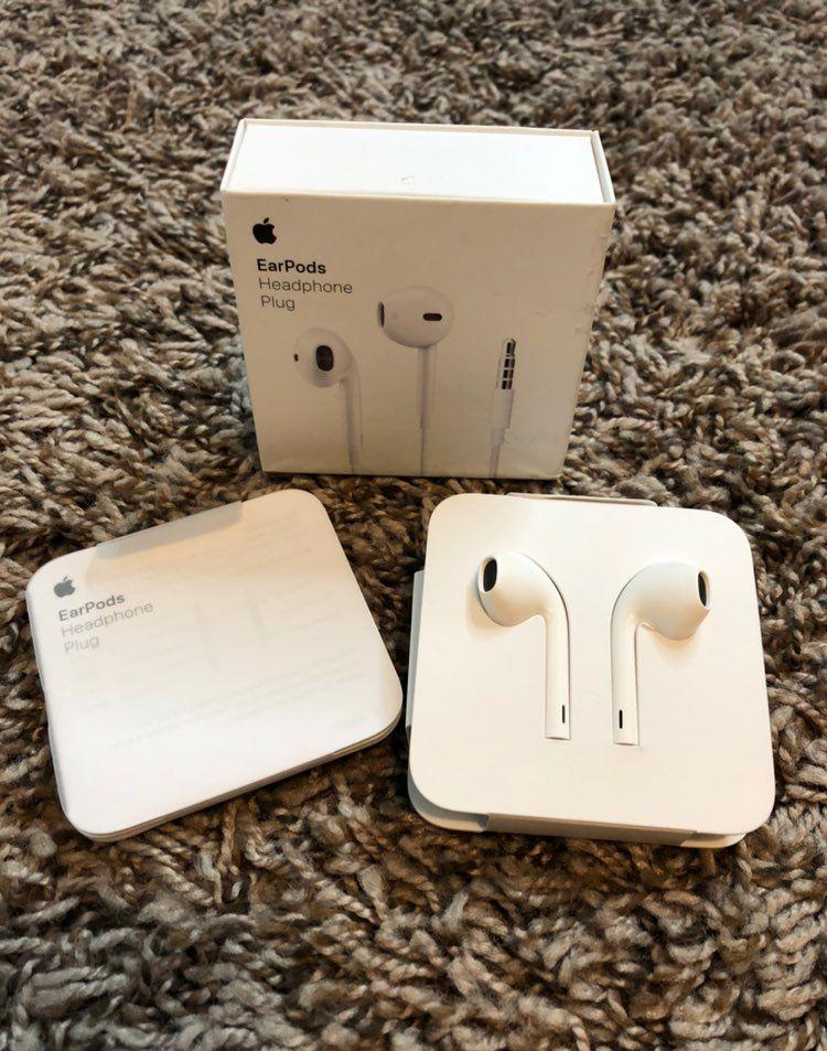 Authentic Apple Earpods Ear Buds With 3 5mm Plug Brand New Open Box Apple Earbuds Apple Earphones