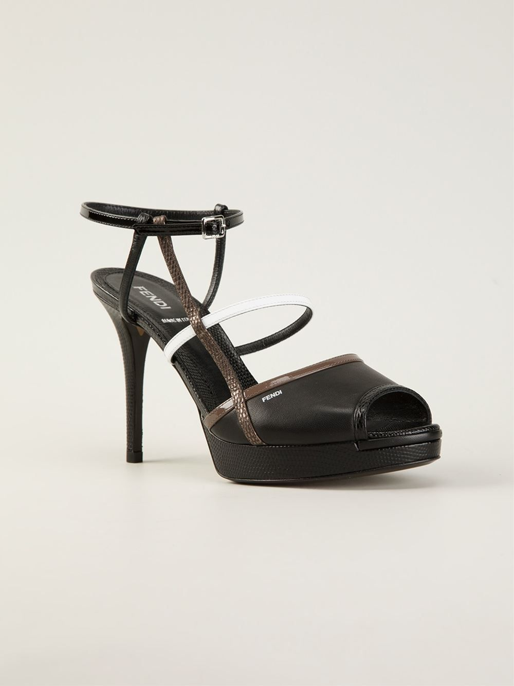 e546e37eb81 Shop a great range of women s designer sandals at Farfetch. From wedge to  gladiator