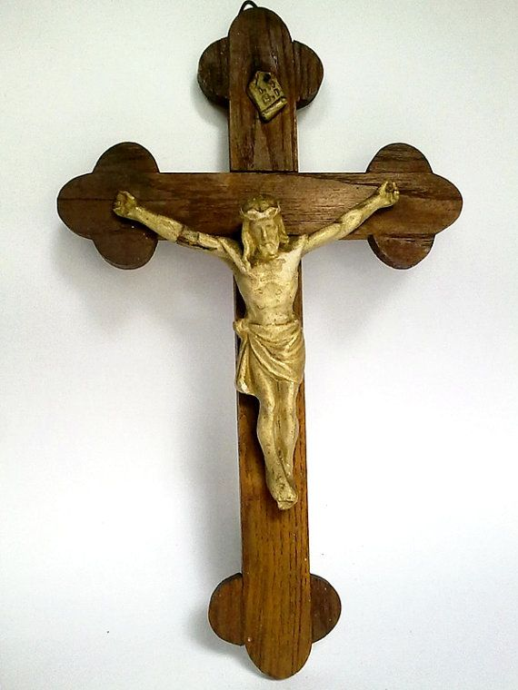 20 Off Antique Mid Century Wooden By Easterneuropevintage On Etsy Christian Cross Jesus On The Cross Antiques