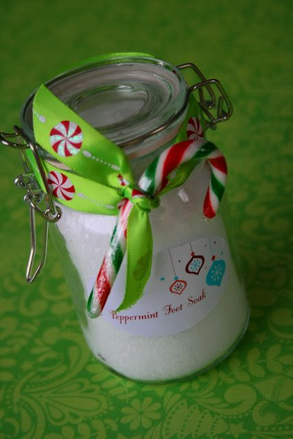 Peppermint Foot Soak - Create your own sticker and add fun ribbon and embellishments. This is a great gift idea for a teacher, neighbor or friend #tutorial
