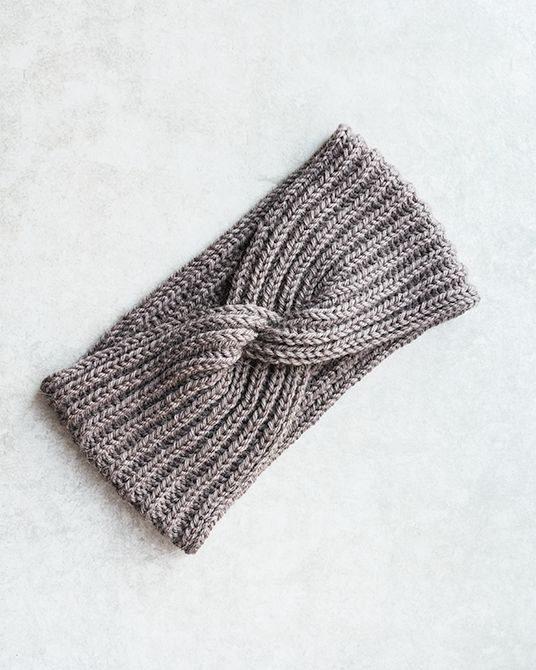 Headband with a twist | Knitting pattern