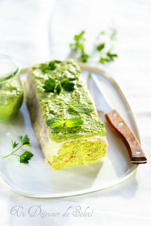 Un dejeuner de soleil: Terrine légère aux asperges, jambon et salsa verde...