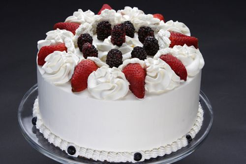Cake Designs With Whipped Cream : Berry whip cream cake Whipped Cream Cake Pinterest ...