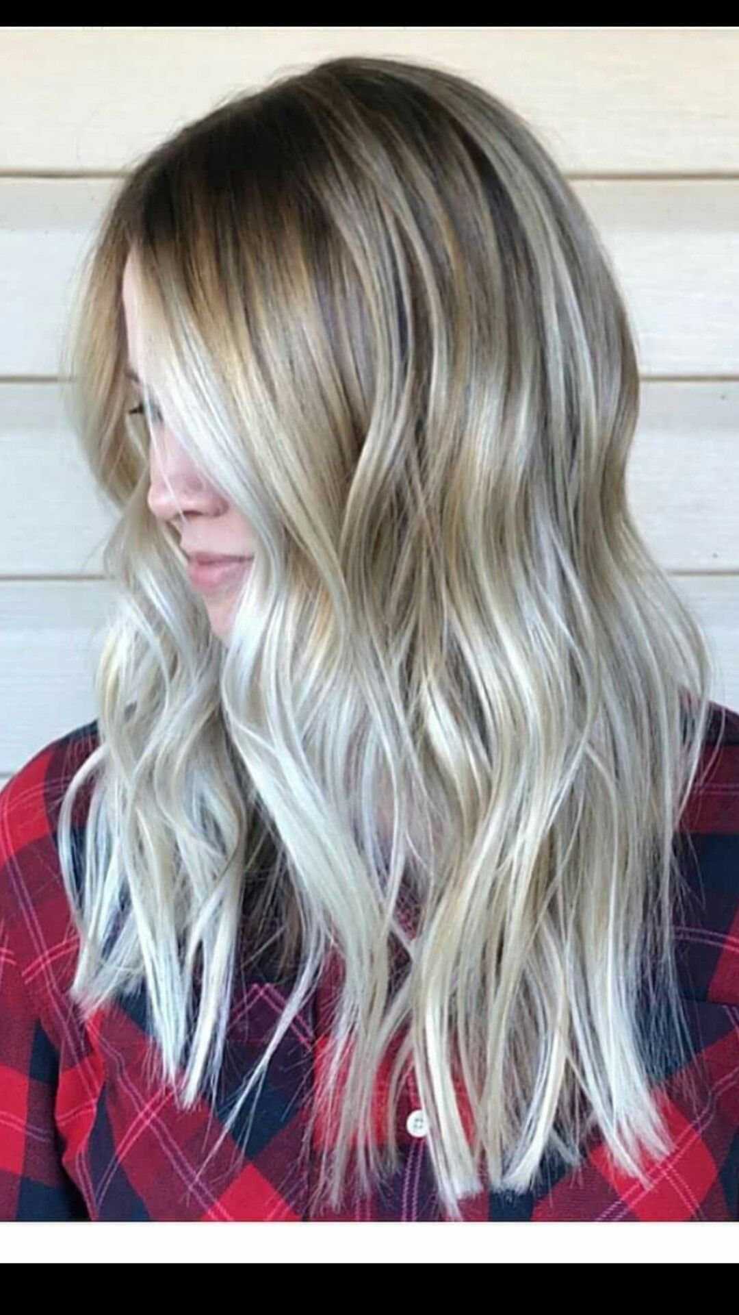 My new cut and color. painted highlights balayage blonde