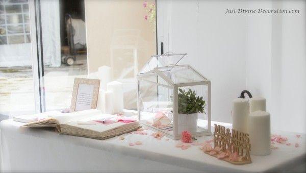 Just-Divine-Decoration.com mariage rose livre d'or urne serre maison en verre bougie