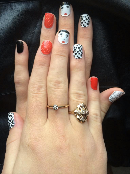 Loving Taylar Hender in her Make Me Nails wraps!! Glad you like them ...