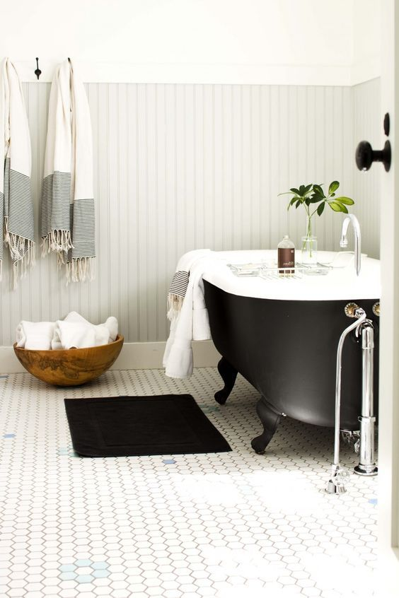 40 Refined Clawfoot Bathtubs For Elegant Bathrooms With Images