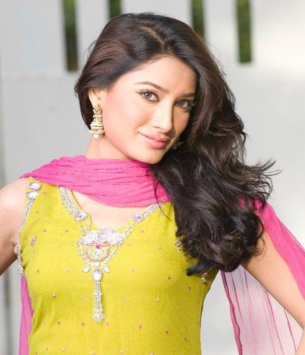 Pakistani Actress Hairstyles: Hair Styles For Women
