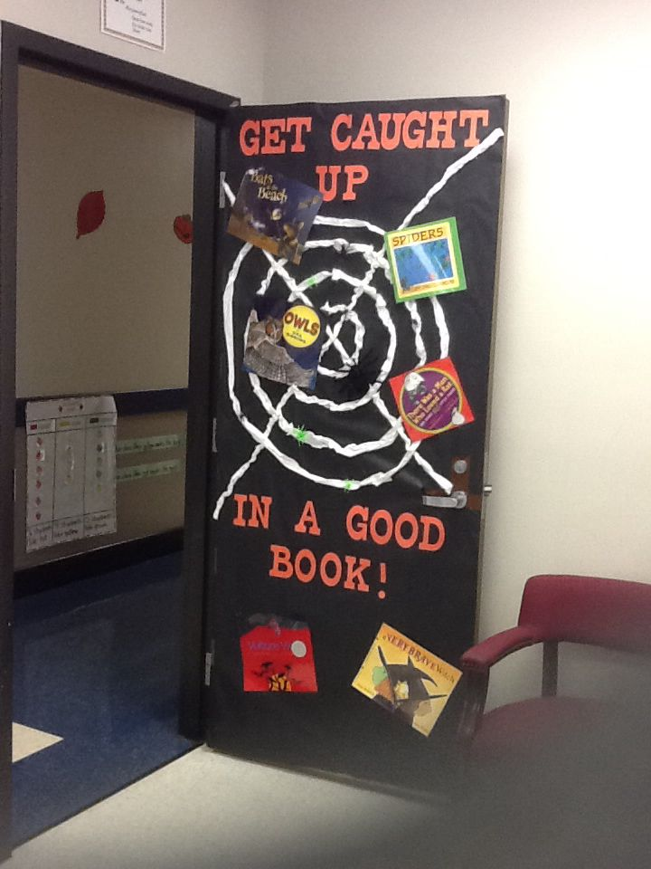 Classroom door decorated for Halloween! #halloweenclassroomdoor
