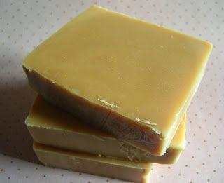 """natural, mola más.: Resultados de la búsqueda de jabón //   Jabón de Miel """"el ideal"""" S.E 11% conc 30%  Aceite de oliva virgen: 210grs aceite de coco 70 grs manteca de cacao: 65grs cera de abejas: 5grs agua :105 grs sosa: 45 grs Miel, una cucharada, en traza"""
