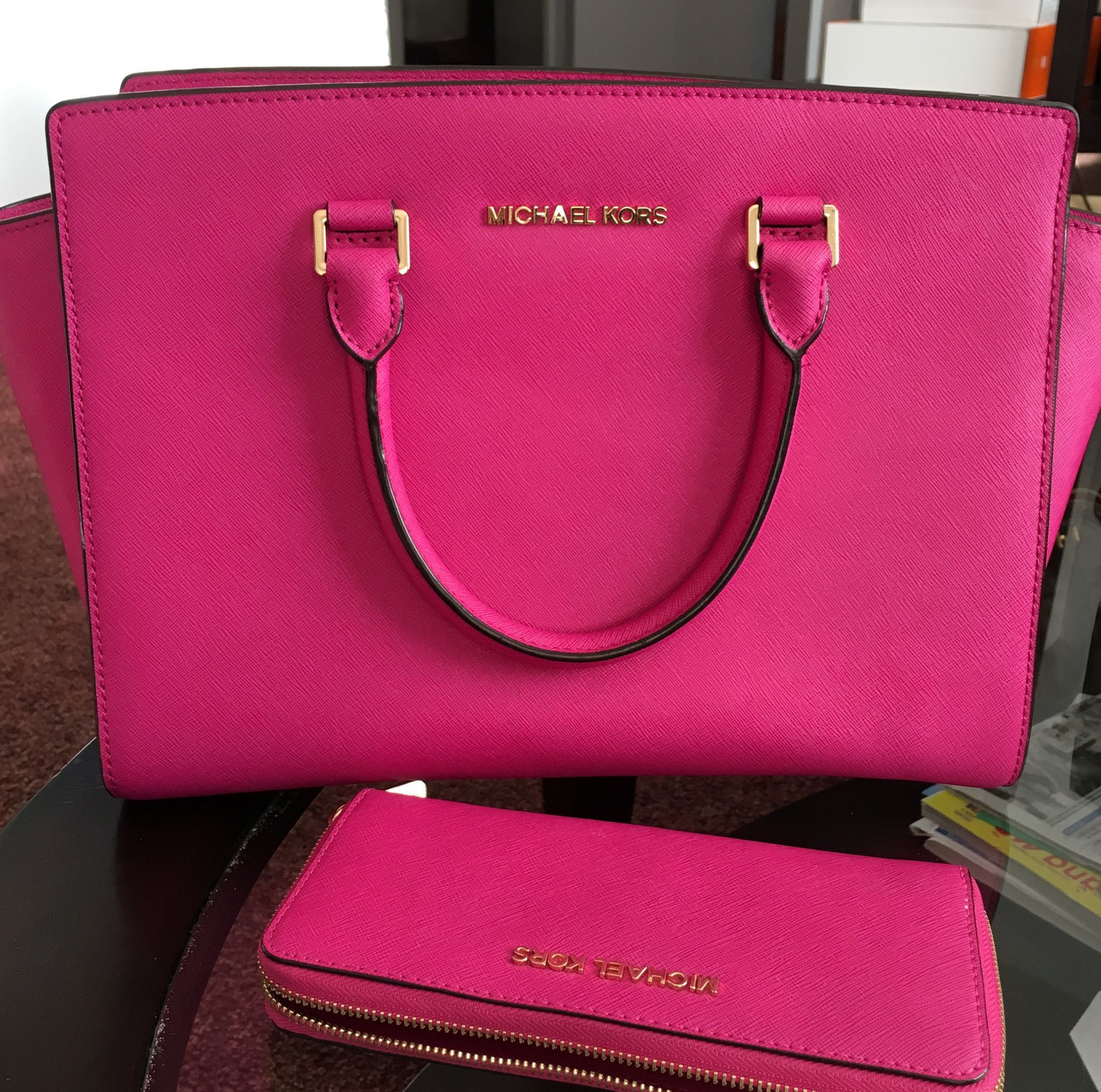 MICHAEL KORS Selma Handbag & Zip Around Wallet