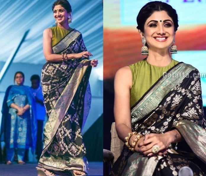 864510ba323ab 12 Beautiful Banarasi Saree Blouse Design