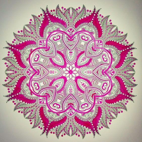 Kleuren voor volwassenen, roze mandala rekening in het ...