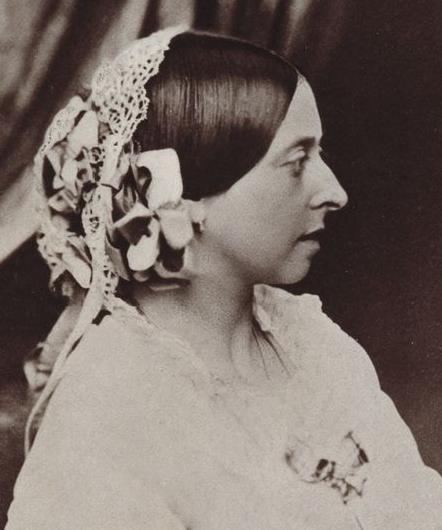 Queen Victoria 1854, age 35 … Queen victoria