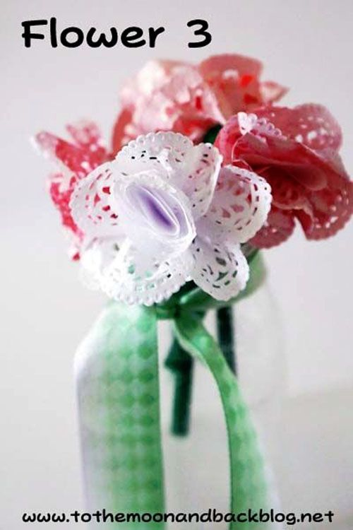 Best paper flowers tutorials for mothers day paper flower diy paper doily flowers from to the moon and back vibrant coffee filter flowers tutorial from fun at home with kids featured on onecreativemommy 19 mightylinksfo