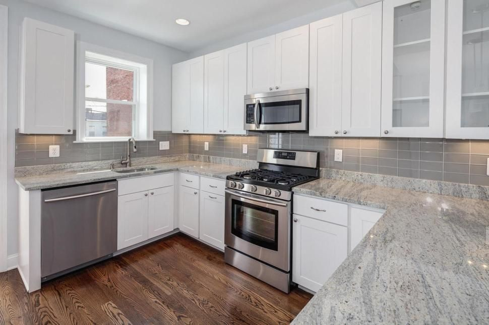 Granite Countertops And Backsplash Ideas Part - 35: Kitchen:Sparkling Kitchen Backsplash Ideas With White Cabinets Also Stove  And Oven On Gray Granite Countertops And Kitchen Vanity Plus Laminate Wood  ...