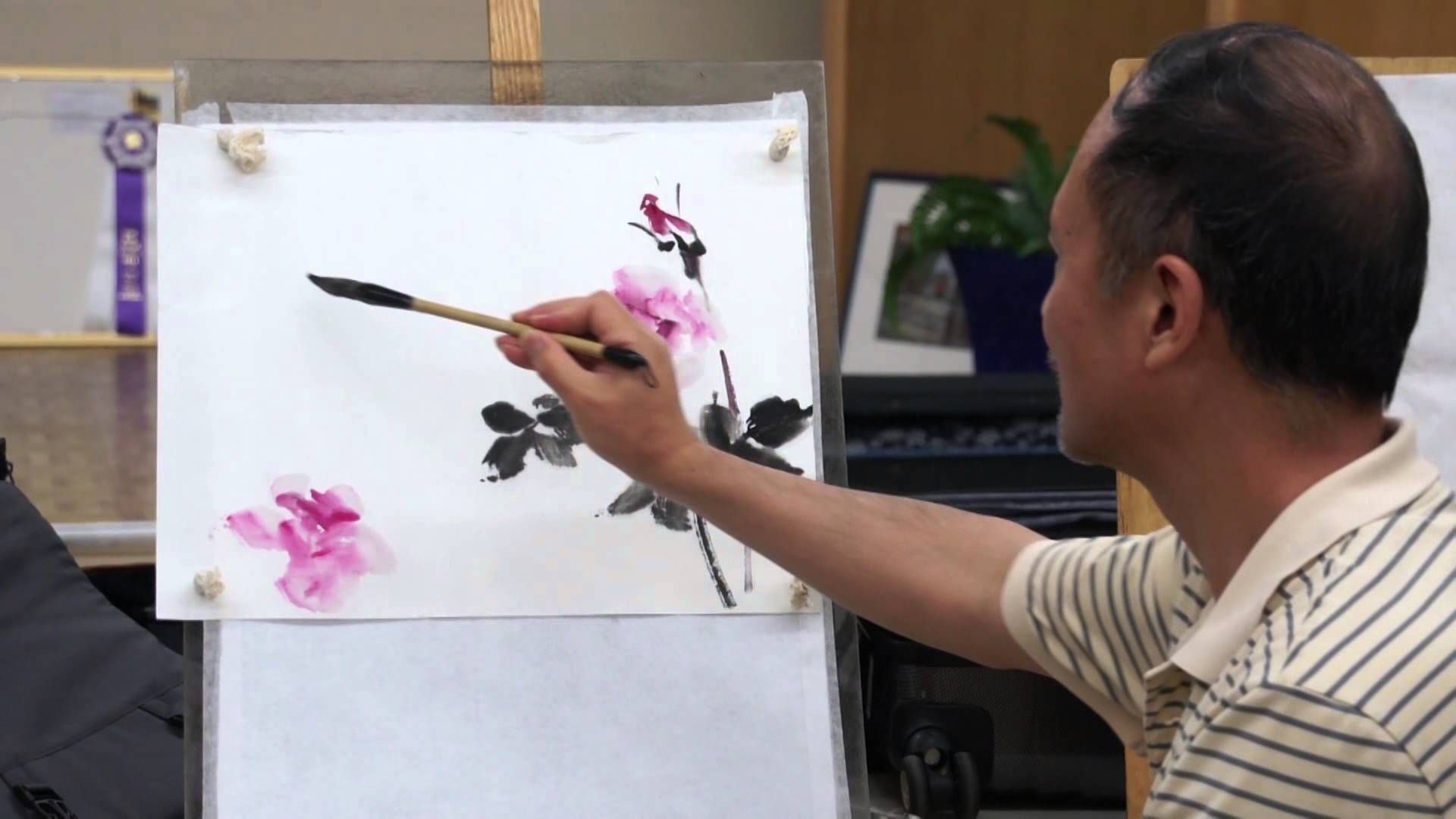 Henry Li Painting Roses With Chinese Brush And Watercolor In A