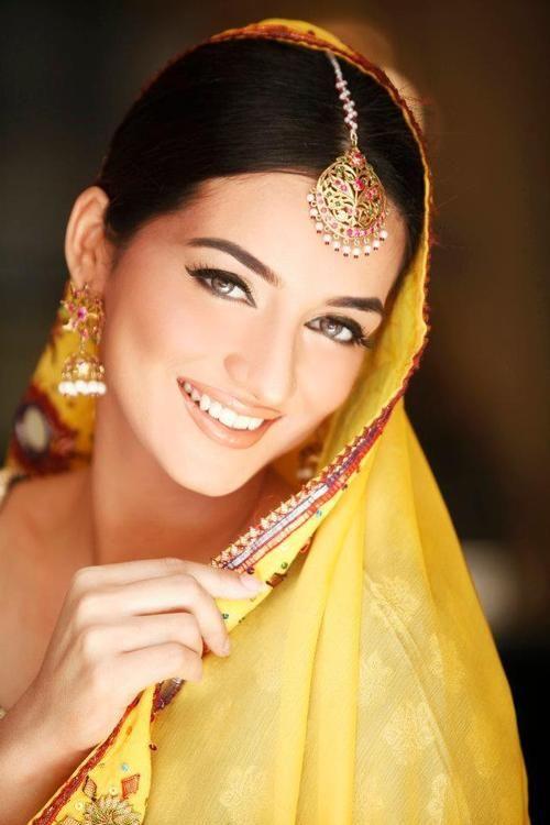 Indian Bridal Kundan Jewelry With Maang Tikka Set 04