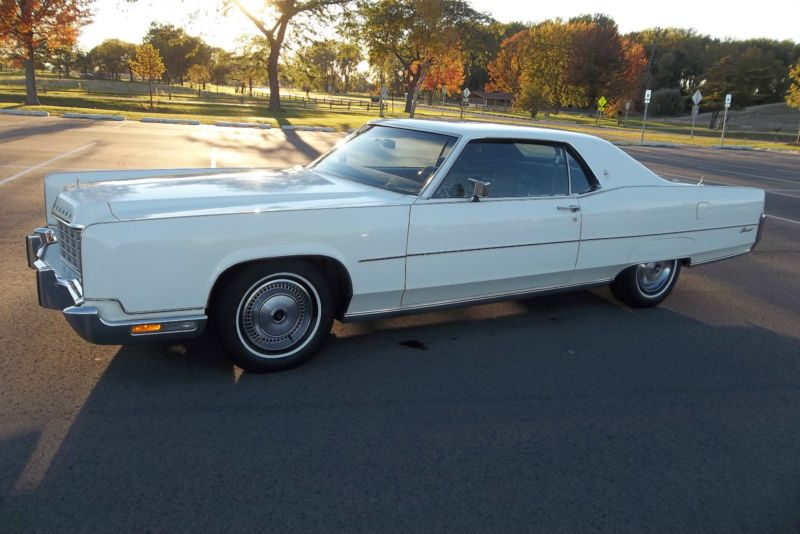 1973 Lincoln Continental Town Coupe With Delete Vinyl Top Option