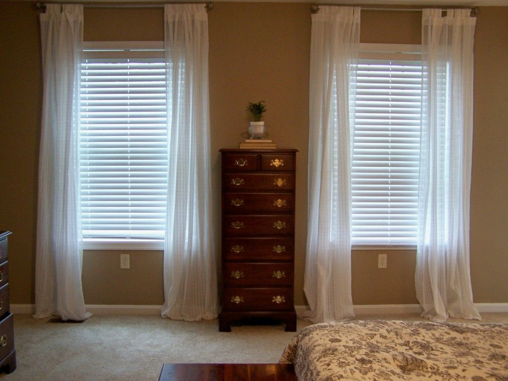 Curtain Idea   Small window curtains, Curtains living room, Window ...