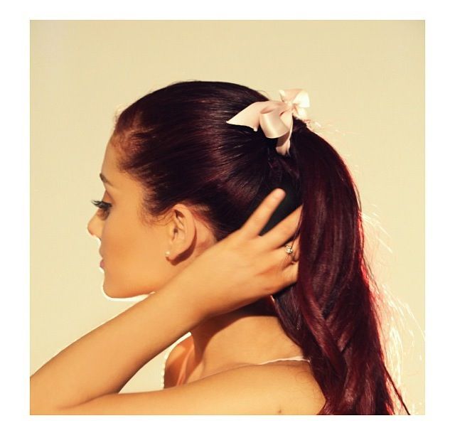 Ariana Grande. Love her hair!